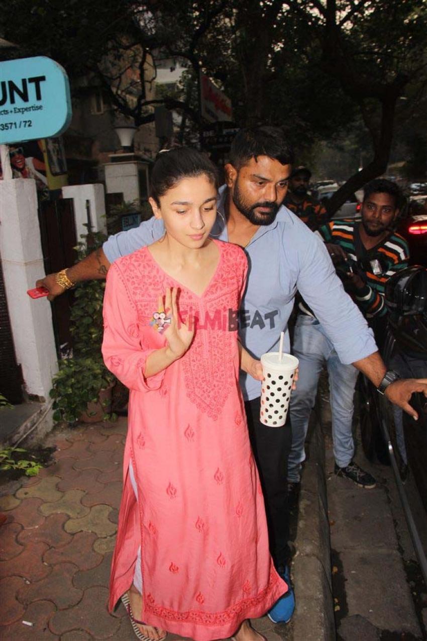 Ranbir Kapoor And Alia Bhatt At Bblunt Photos