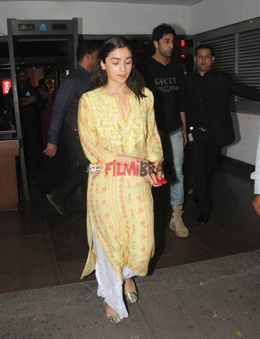 Ranbir Kapoor & Alia Bhatt Watched Padmaavat At PVR, Mumbai Photos