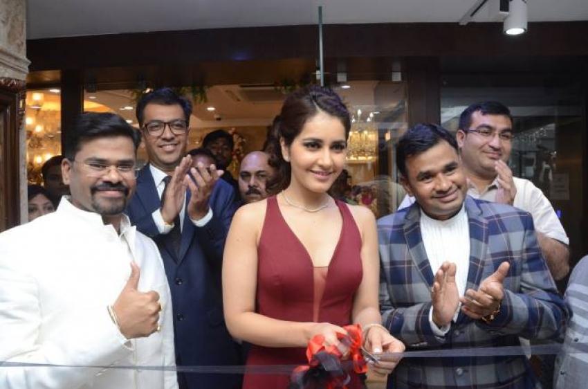 Rashi Khanna Launches Forever mark Diamonds at Manepally Jewellers Photos