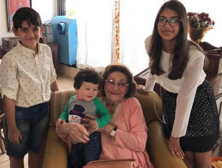Saif Ali Khan, Kareena Kapoor and Taimur  New Year 2018 Celebration Photos