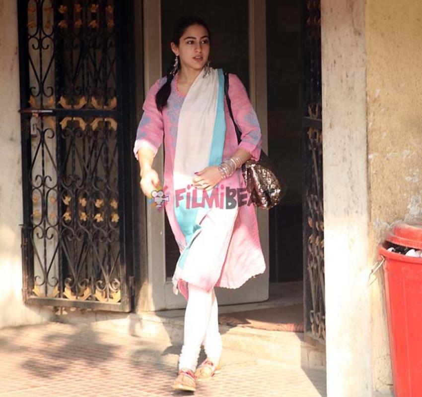 Sara Ali Khan Spotted At Gym Bandra Photos