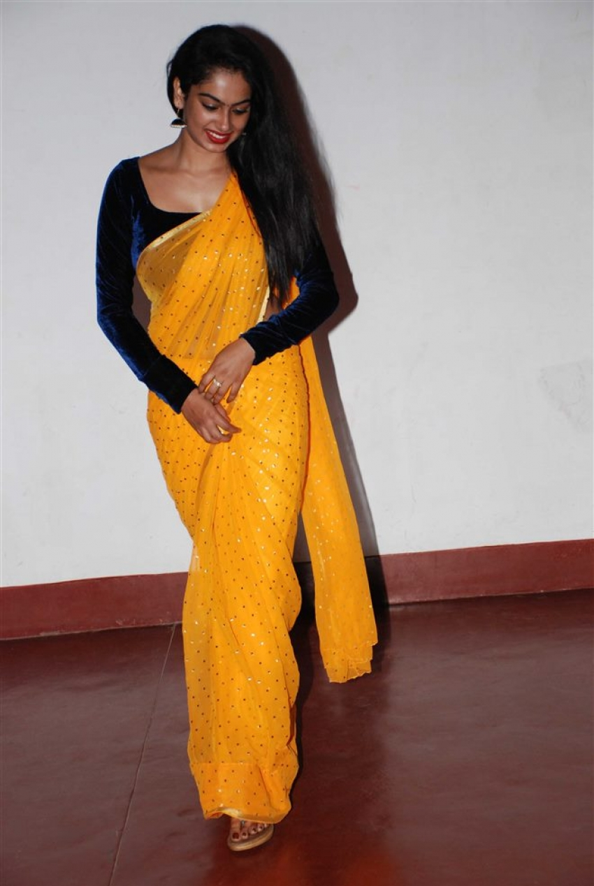 Swathi Konde Photos