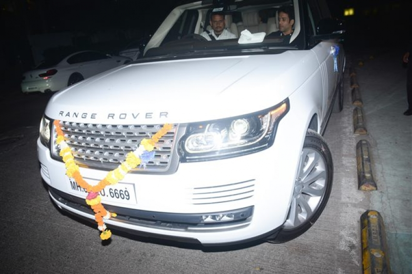 Tushaar Kapoor With His New Car Spotted In Mumbai Photos