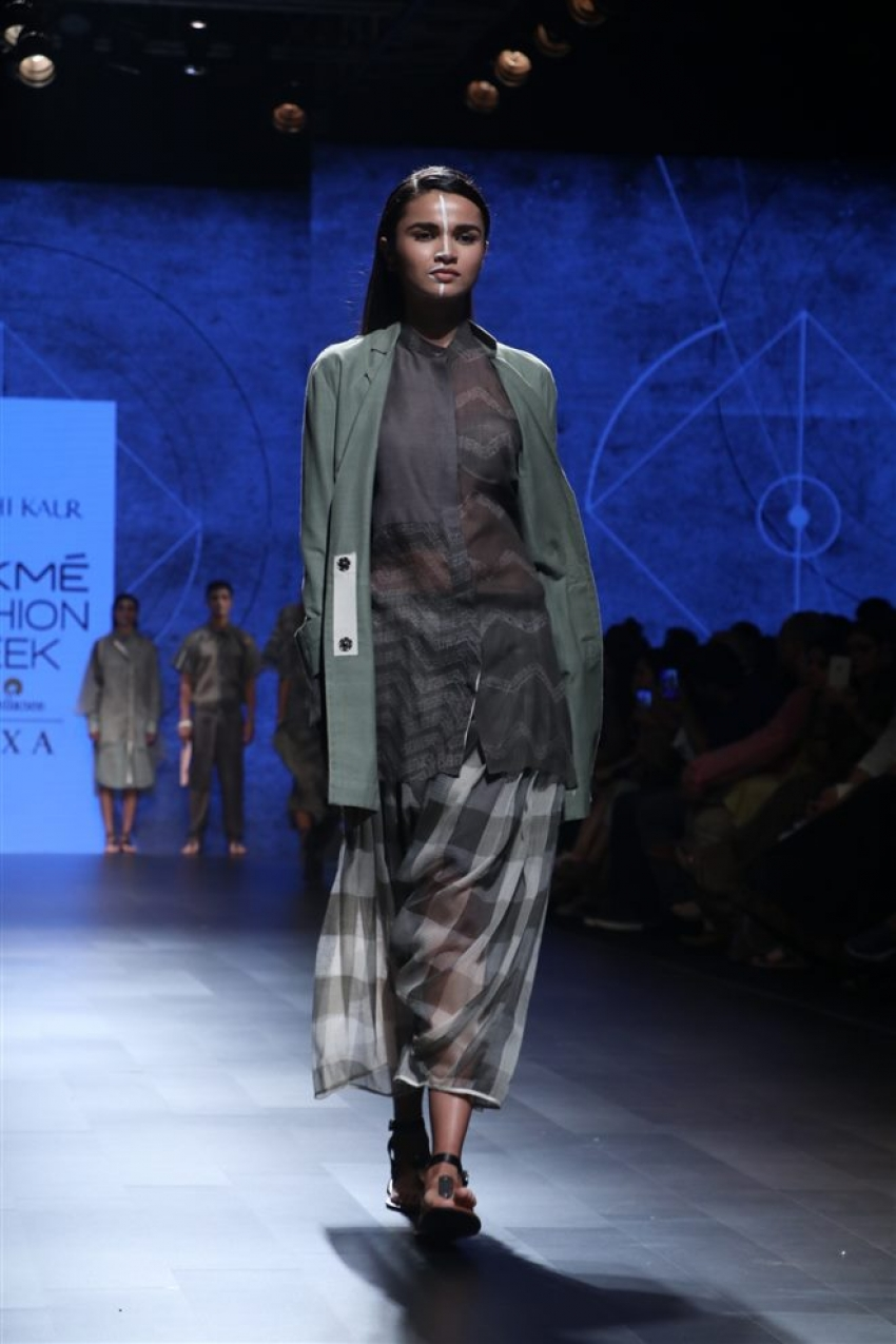 Urvashi Kaur Lakme Fashion Week 2018 Photos