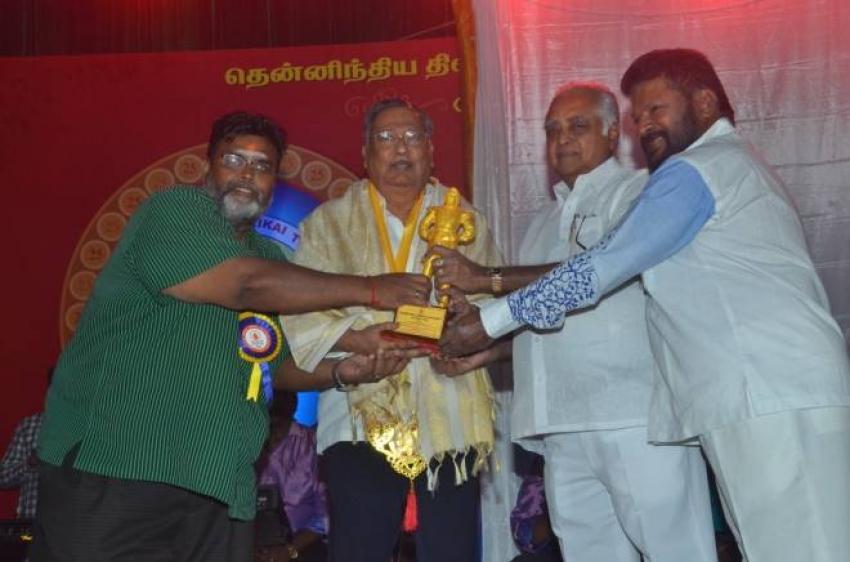 Vijayakanth Opened MGR Statue