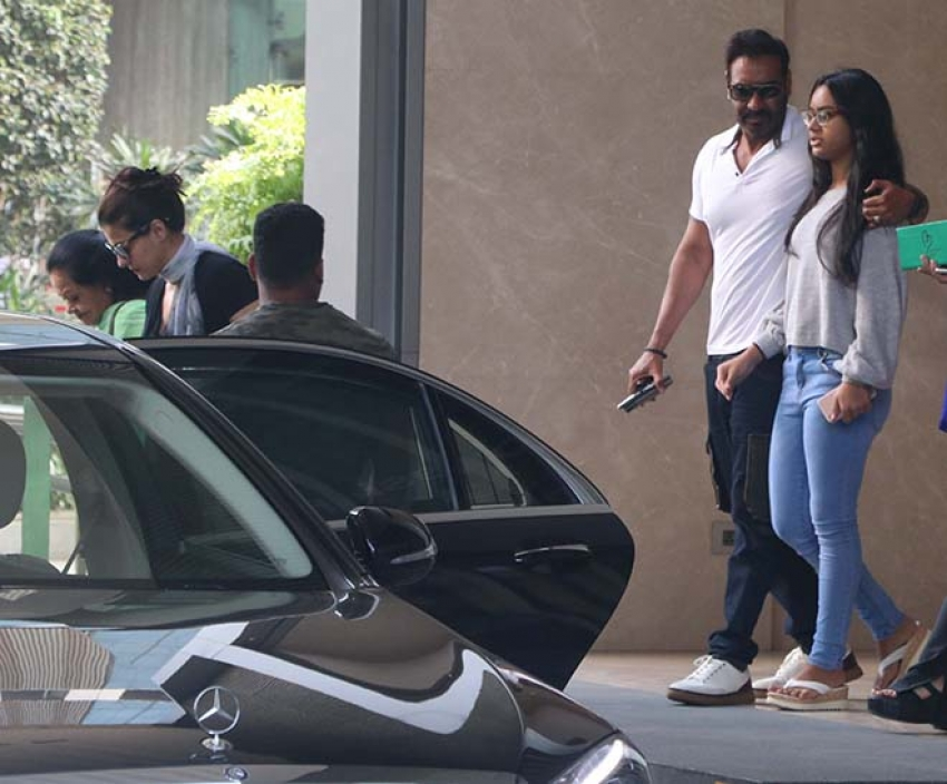 Ajay Devgan And Kajol With Family Spotted At Yauatcha BKC Bandra Photos