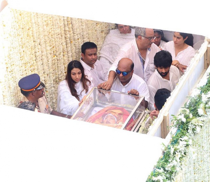 Final Journey Of Legendary Actress Sridevi Photos