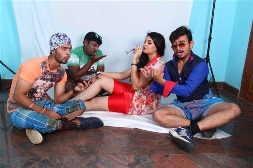 Kantri Boys Photos