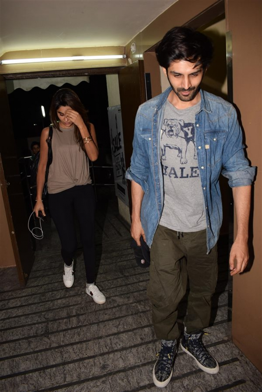 Kartik Aryan With His Girlfriend Spotted At Juhu PVR Photos