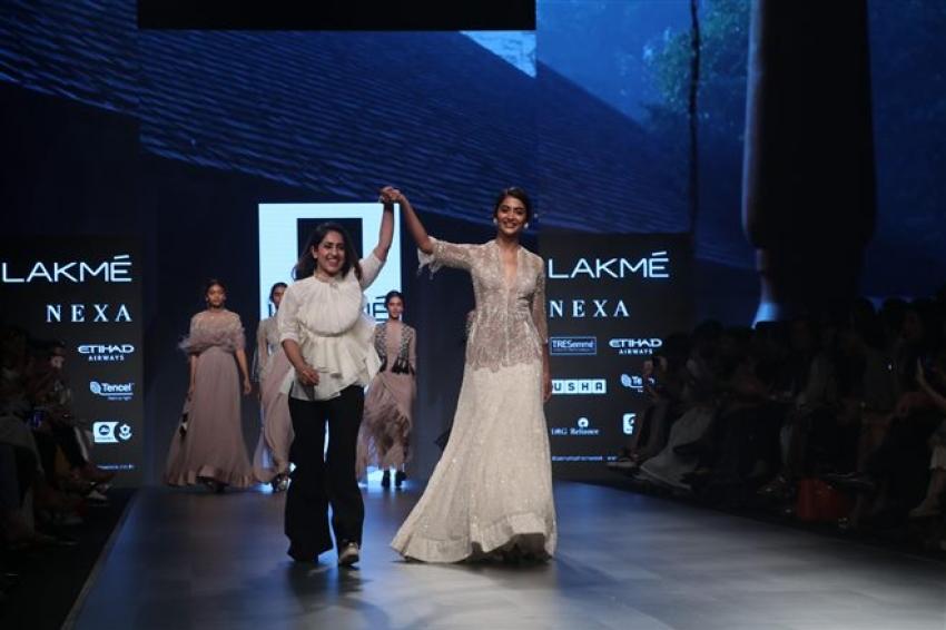 Pooja Hegde Walks The Ramp At Lakme Fashion Week 2018 Photos