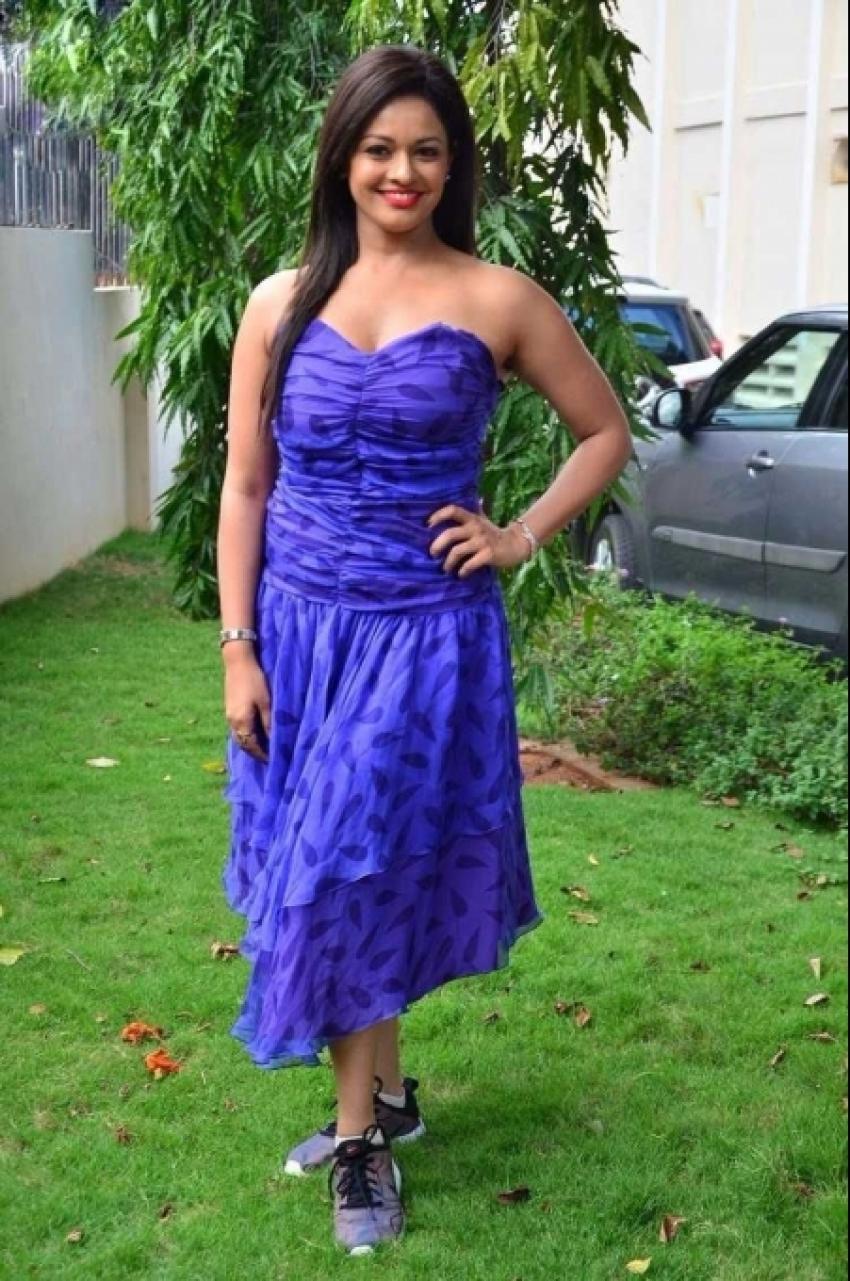 Pooja Kumar Hot Photos