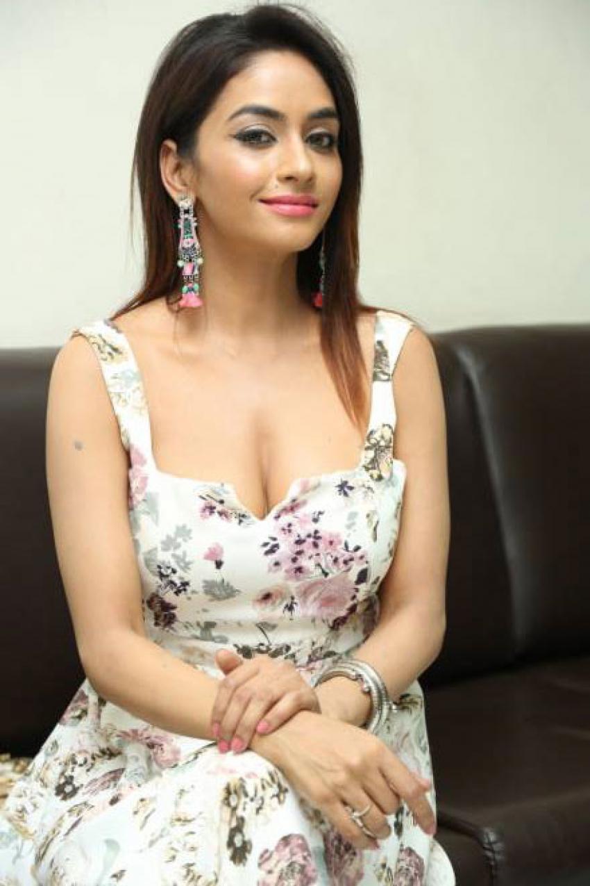 Pooja Sri Photos