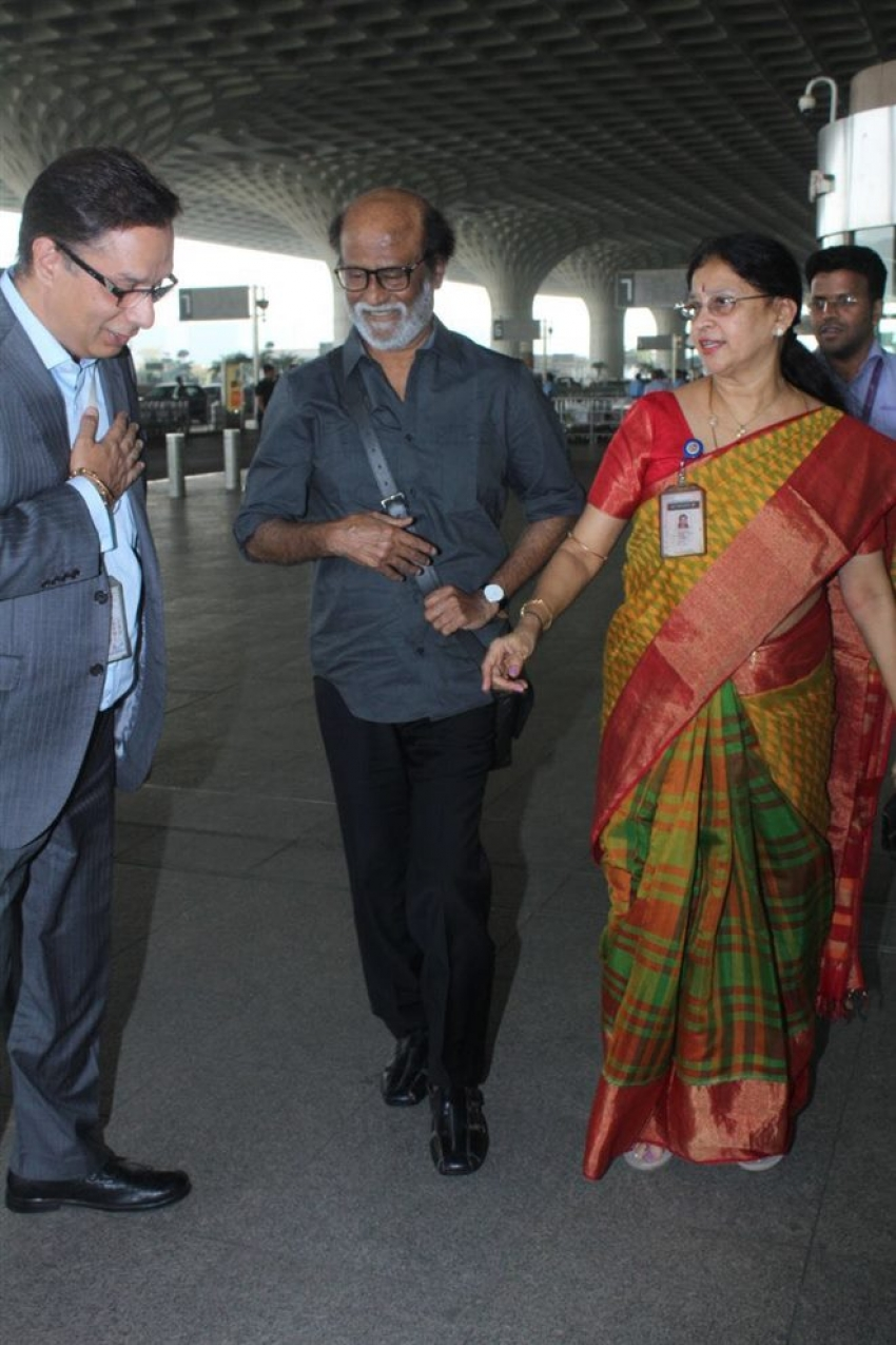 Rajinikanth Spotted At Mumbai Airport Photos