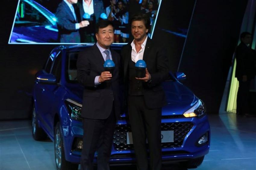 Shahrukh Khan At Launch Of Hyundai Elite i20 At Auto Expo 2018 Photos