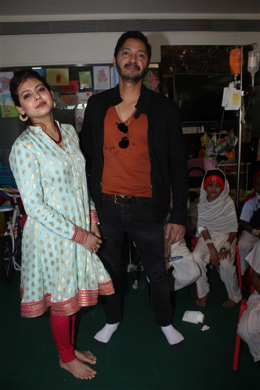 Shreyas Talpade Celebrates Valentine Day With Tata Memorial Hospital Kids Photos