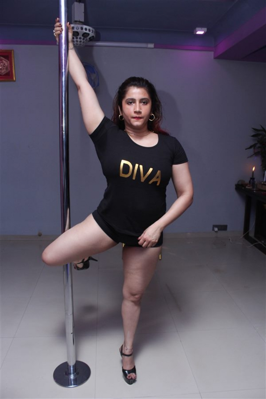 Smilie Suri Pole Dance Photoshoot Photos