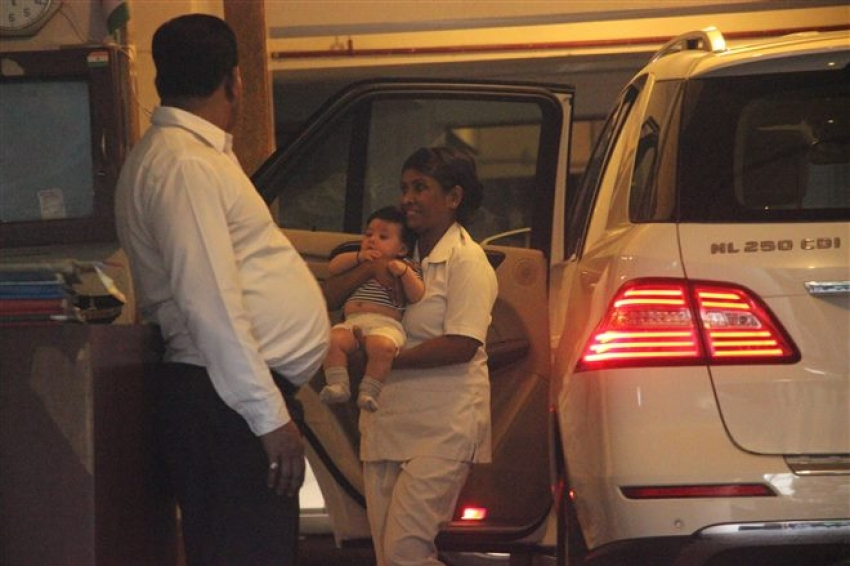 Soha Ali Khan With Inaaya Spotted At Bandra Photos