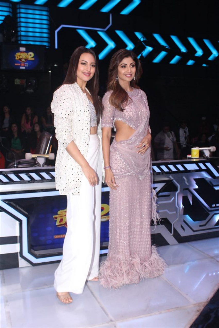 Sonakshi Sinha On The Sets Of Super Dance Chapter 2 Photos