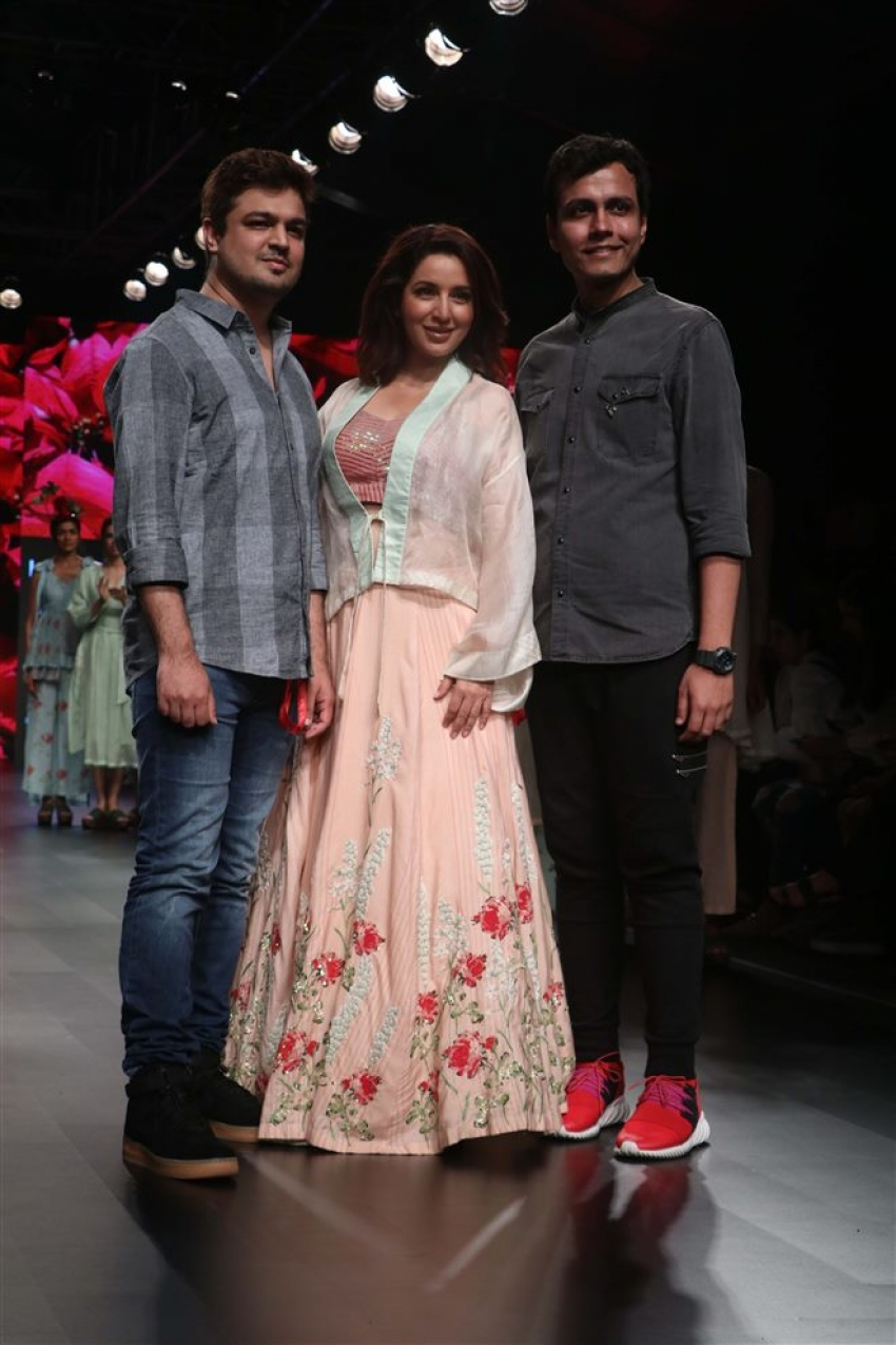 Tisca Chopra Walks The Ramp At Lakme Fashion Week 2018 Photos