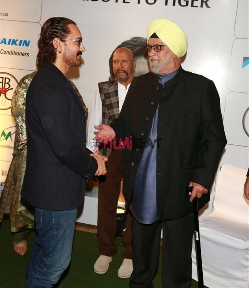 Bollywood Celebs At Tribute To Tiger Bishan On Nawab Pataudi Photos