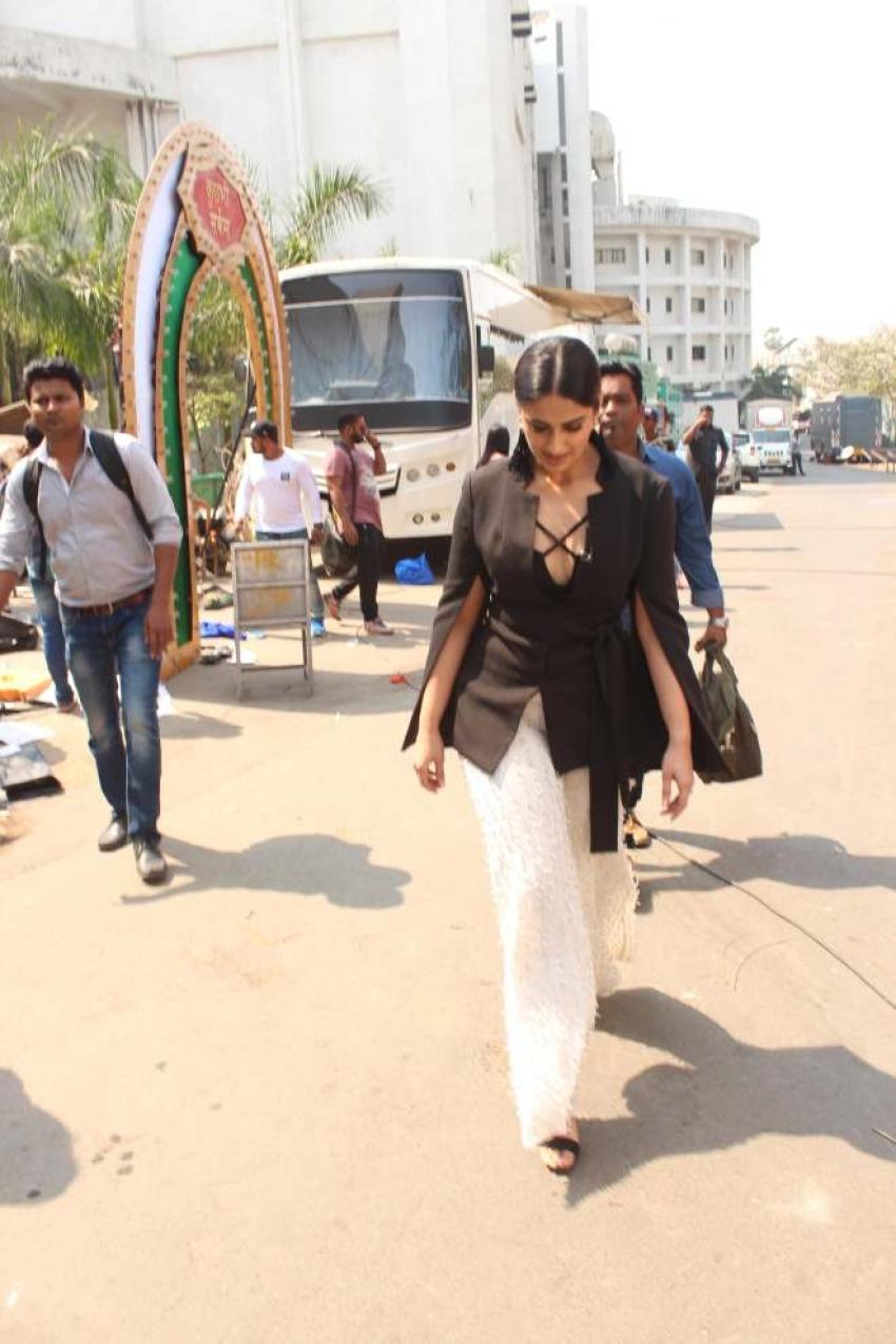 Ajay Devgn and Ileana D'Cruz promote Raid on Super Dancer 2 Photos