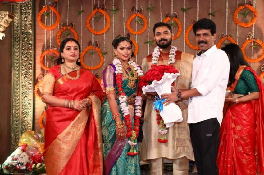 Director Parthiban And Actress Seetha S Daughter Wedding Photos Filmibeat