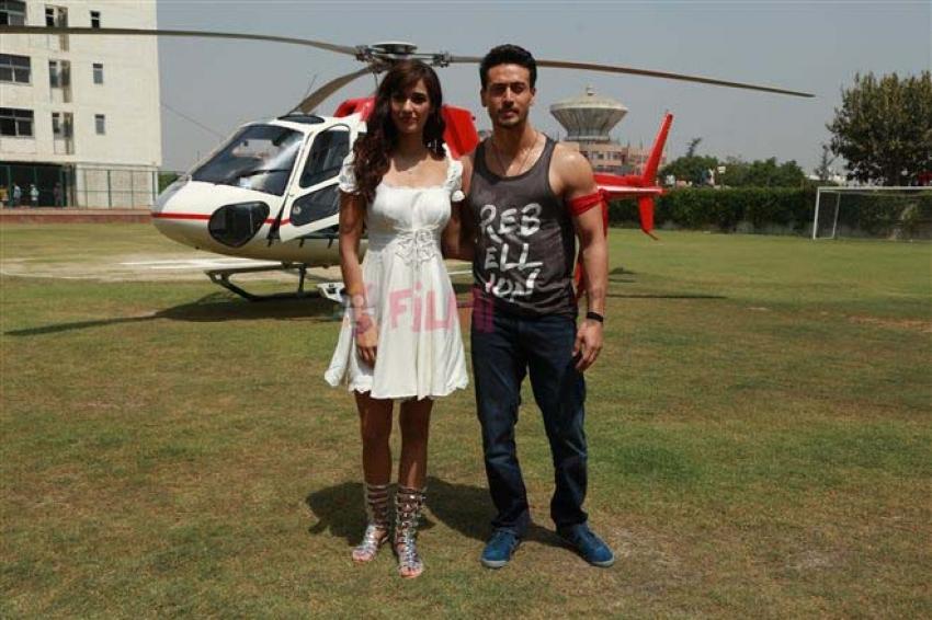 Disha Patani And Tiger Shroff Promote Baaghi 2 On Chopper Photos