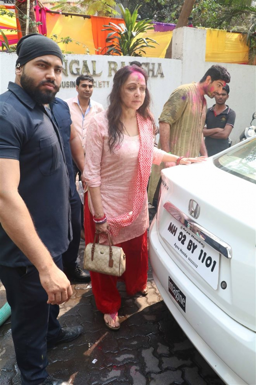 Esha Deol Holi Bash 2018 pictures Photos