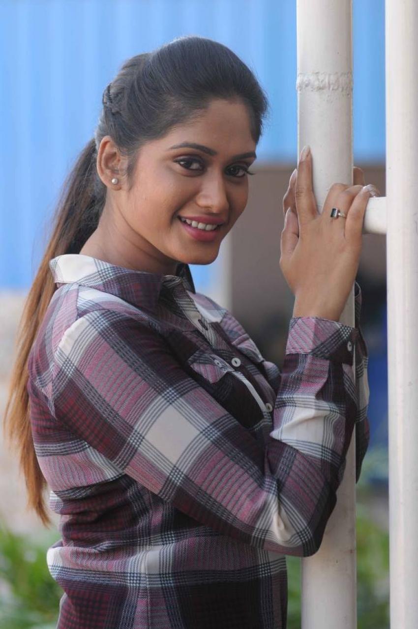 Inthalo Ennenni Vinthalo Photos