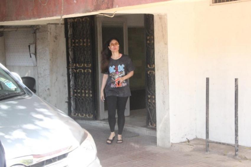 kareena Kapoor spotted at gym bandra Photos