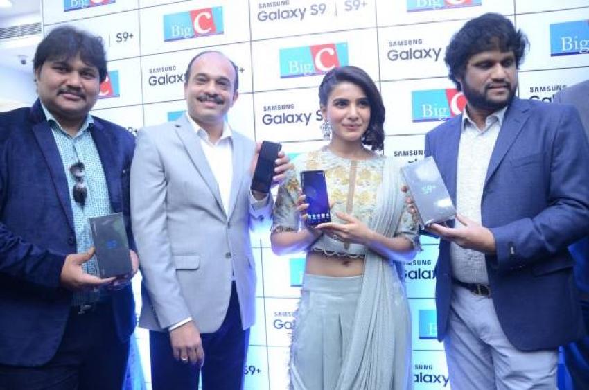 Samantha Launches Samsung S9 Mobile at BigC Kukatpally Photos