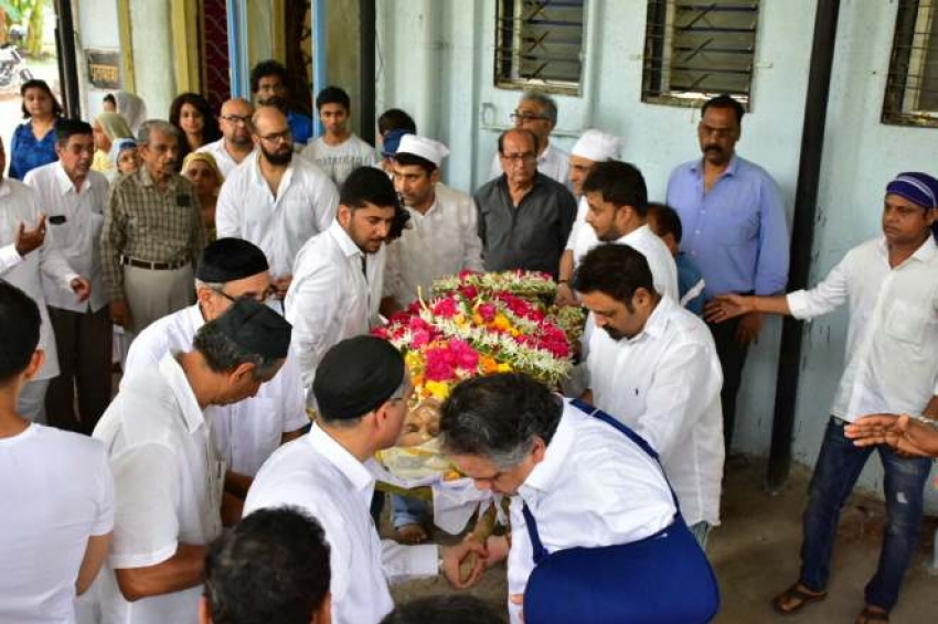Shammi Aunty Funeral Photos
