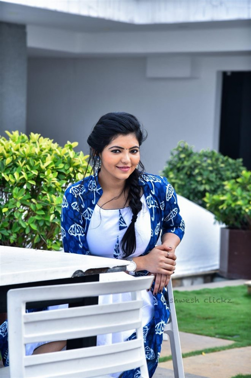 Tamil Beauty Queen Athulya Ravi Unseen Photos
