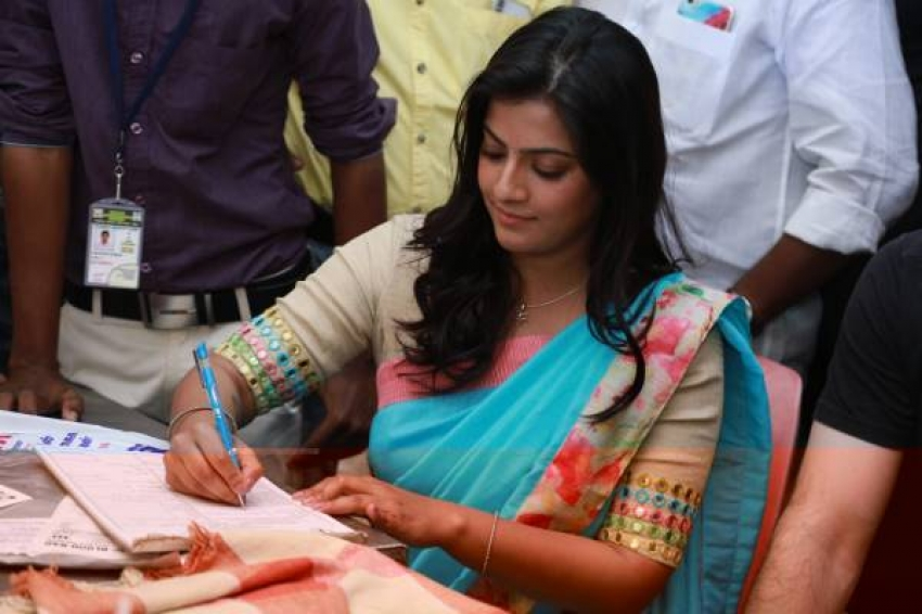 Varalaxmi Sarathkumar at Blood Donation Camp & International Womens Day Celebration Photos