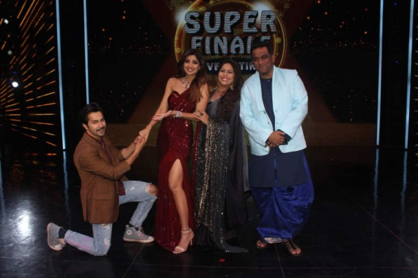 Varun Dhavan Visit On Set Super Dancer Chapter 2 Photos