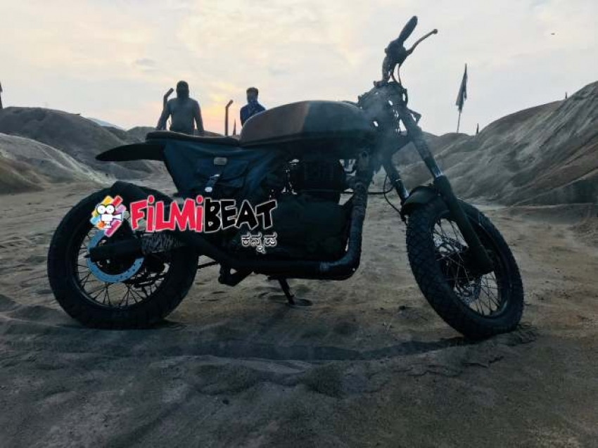 Yash Bike In Kgf Movie Photos Filmibeat