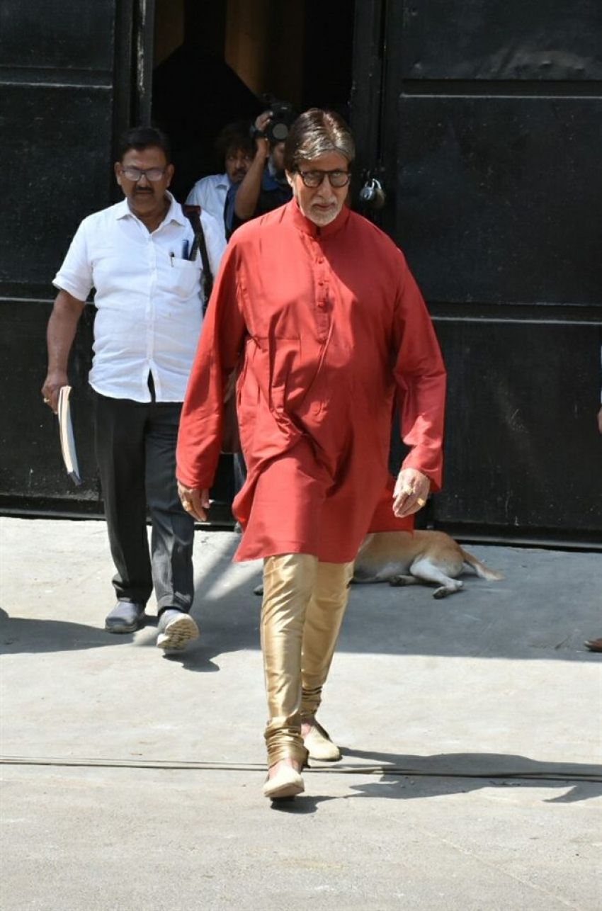 Amitabh Bachchan Spotted During Photoshoot For Kalyan Jewellers Photos