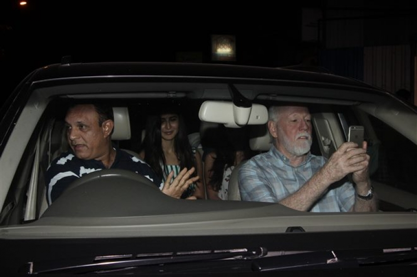 Katrina Kaif Spotted With Her Family In Mumbai Photos
