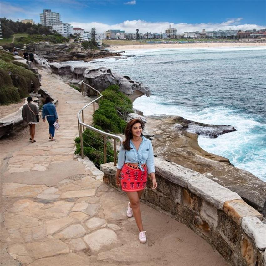 Parineeti Chopra Enjoying Her Vacation Trip To Australia Photos