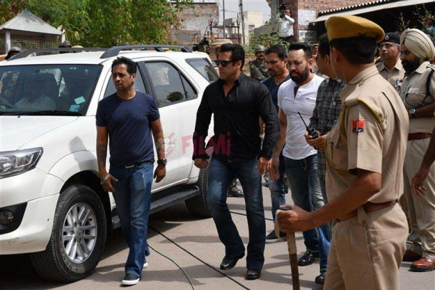 Salman Khan Guilty in Poaching Case Jodhpur Court Photos