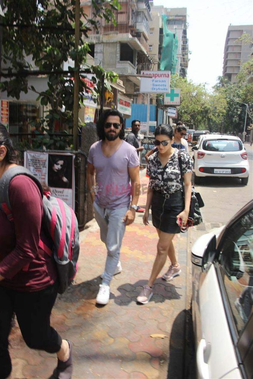 Shruti Hassan With Boyfriend Spotted At Farmers Cafe Bandra Photos
