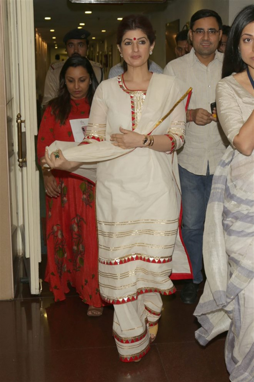 Twinkle Khanna & Ekta Kpoor Meets President of India Shri Ram Nath Kovind at FICCI Photos