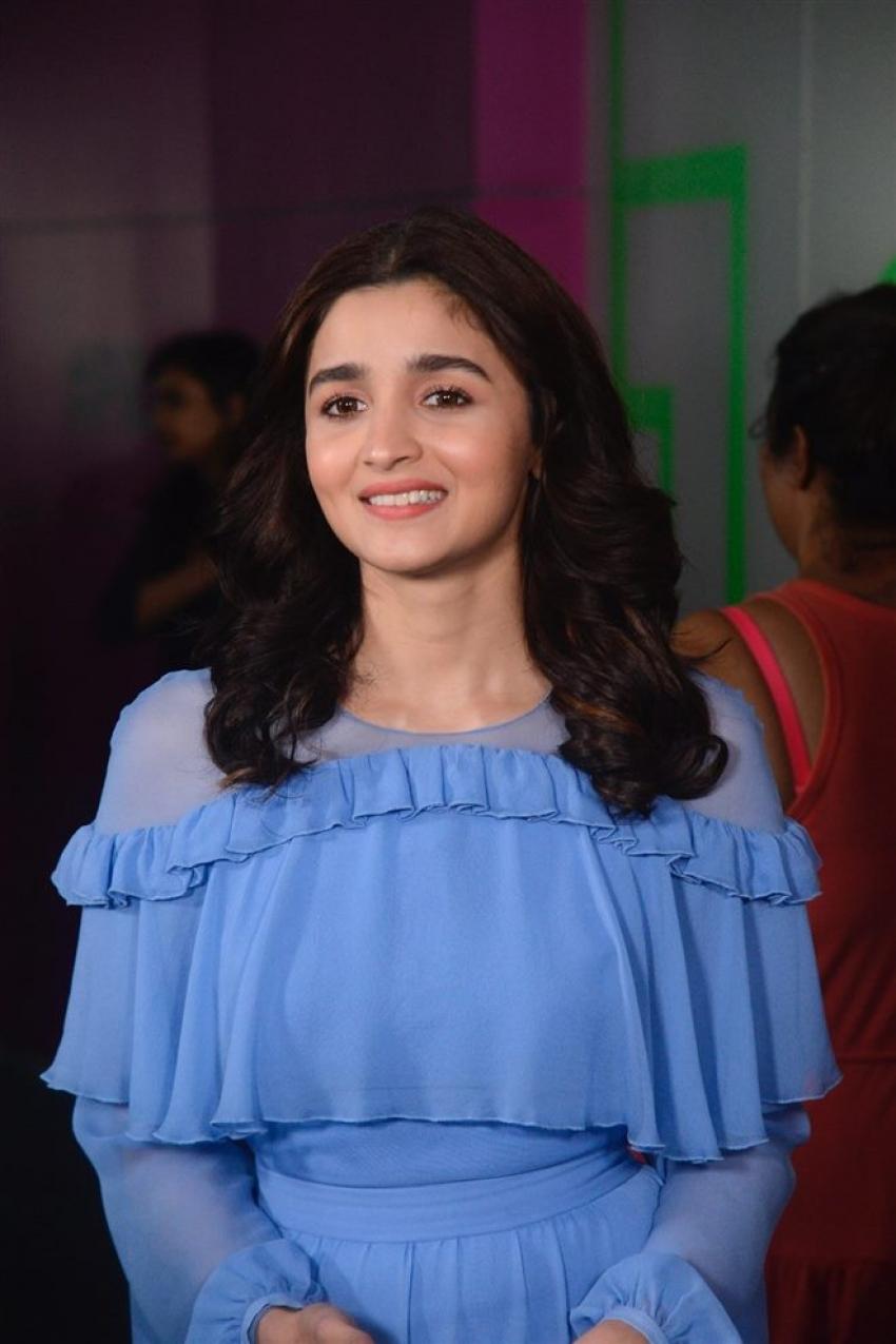 Alia Bhatt Visits Star Sports Studio Photos
