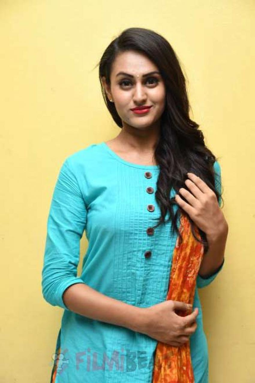 Anika Rao Photos