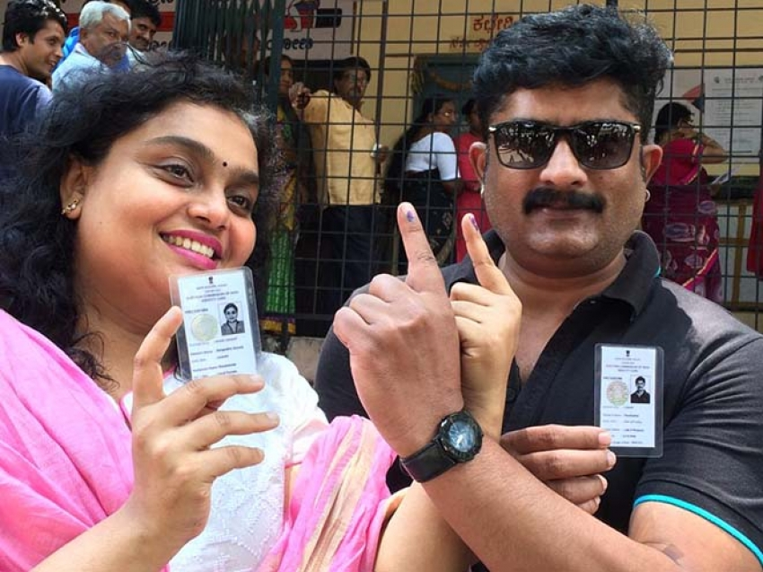 Kannada Celebrities Who Casted Their Vote For 2018 Photos