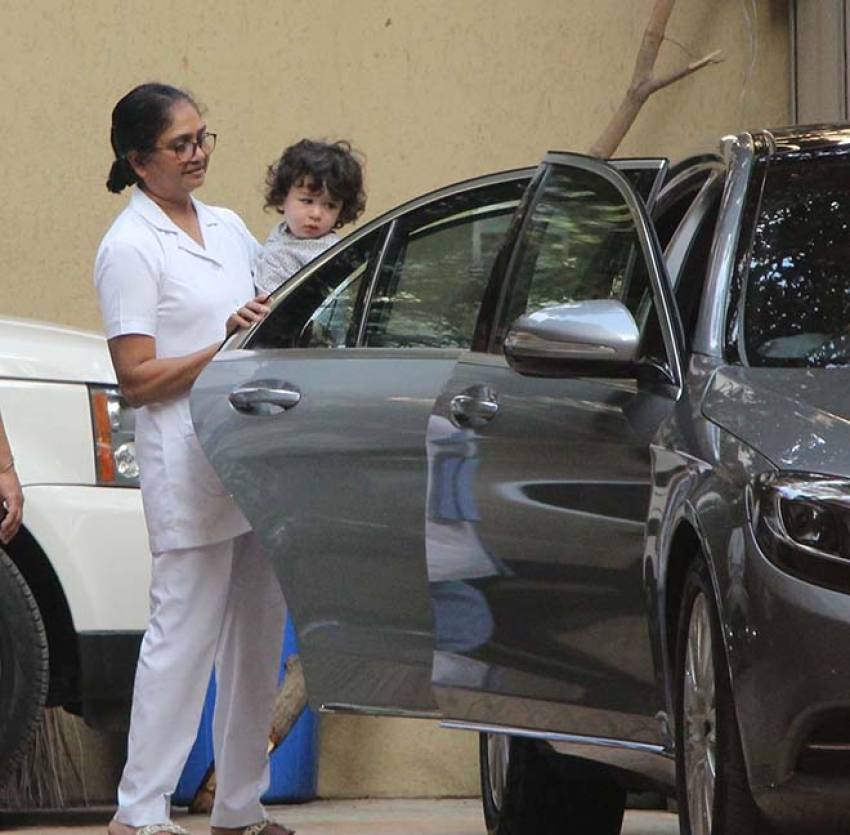 Kareena Kapoor And Taimur Spotted At Pre School Photos