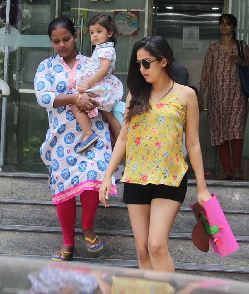 Mira Rajput With Daughter Spotted At Bandra Photos