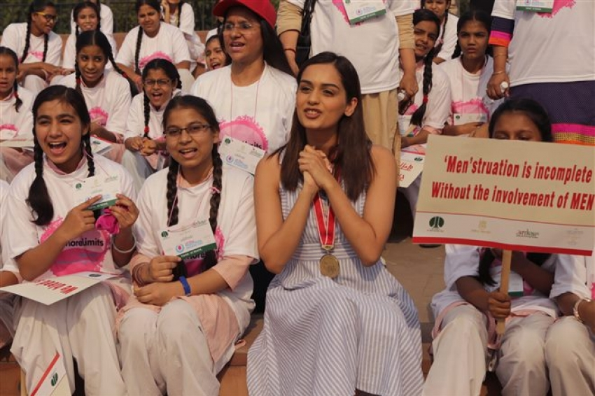 Miss Manushi Chhillar With School Girls In Connaught Place In New Delhi Photos