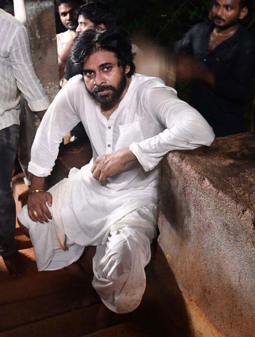 Pawan Kalyan Visits Tirumala Tirupati by Walk Photos