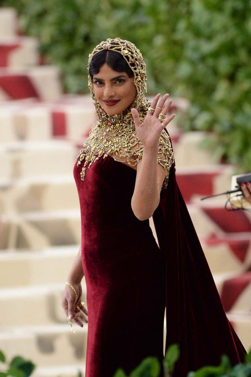 Priyanka Chopra Looks Beautiful At Met Gala 2018 Photos
